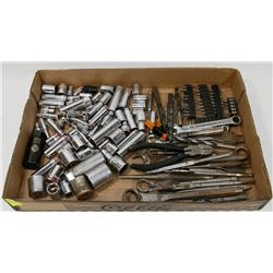 LARGE FLAT OF 100PC PLUS OF TOOLS - SOCKETS, DRILL