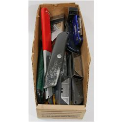 95) SELECTION OF UTILITY KNIVES & BLADES .