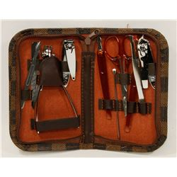 10 PC MANICURE SET IN CARRY CASE