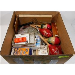 BOX OF ESTATE ITEMS