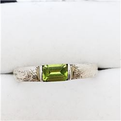 173) STERLING SILVER PERIDOT RING