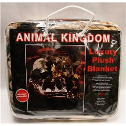 "NEW! ""ANIMAL KINGDOM"" LUXURY PLUSH BLANKET (QUEEN)"