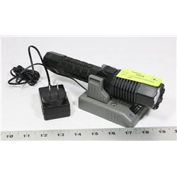 PELICAN 760 LED RECHARGABLE FLASHLIGHT.
