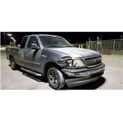 2002 - FORD F150//REBUILT SALVAGE