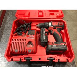 MILWAUKEE M18 1/2'' COMPACT DRILL/DRIVER KIT