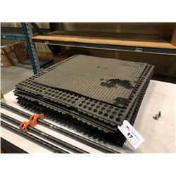 LOT OF ANTI-FATIGUE MATS