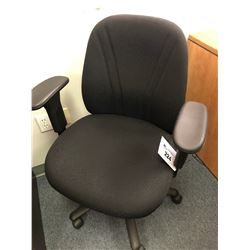 BLACK MID BACK OFFICE CHAIR