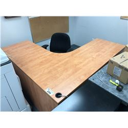 MAPLE L-SHAPED OFFICE DESK WITH OFFICE CHAIR