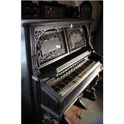 Antique Organ, Clinton ON Canada