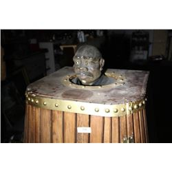 Prop=Wood Sauna