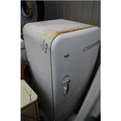 Frigidaire Fridge 1 Door