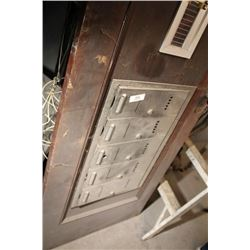 Door With Bank Of 5 Mail Boxes