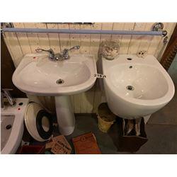 2 x Sinks