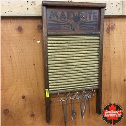 """Maidrite"" Washboard w/Hooks (Scissors/Clamps)"