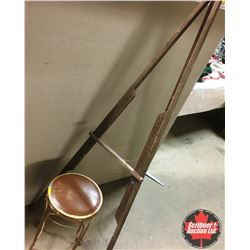 Easel w/Parlor Stool