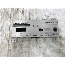 ROBOX XS-304-2-A1 AUTOMATIC KEYBOARD/VGA MONITOR SWITCH