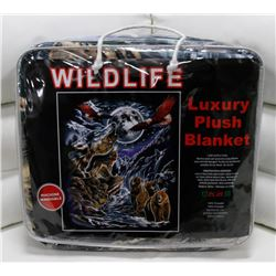 "NEW! ""WILDLIFE"" LUXURY PLUSH BLANKET (QUEEN)"