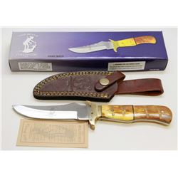 """NEW! THE BONE COLLECTOR 9"""" HUNTING KNIFE"""