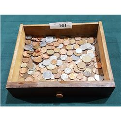 APPROX 260 WORLD COINS IN WOOD TRAY