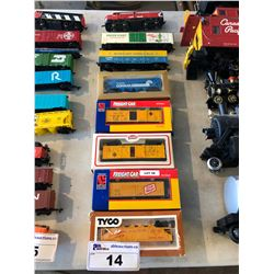 ASSORTED SMALL SCALE MODEL TRAINS