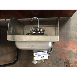 SMALL STAINLESS WASH SINK