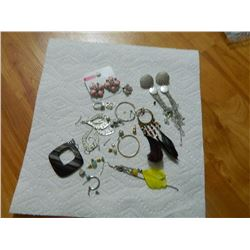 ASSORTED EARRINGS - some may be silver - SINGLES, NEW & OTHER