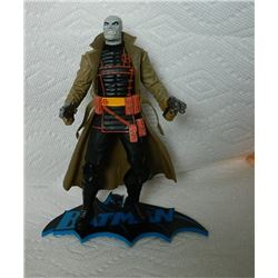 HUSH ACTION FIGURE WITH BATMAN STAND - HUSH