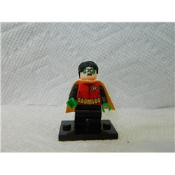 LEGO TINY FIGURE - ROBIN - WITH STAND & CAPE