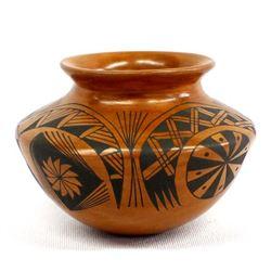 Small Mata Ortiz Pottery Jar by Baudel Lopez