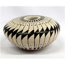 Small Mata Ortiz Stylized Feather Pottery Seed Jar