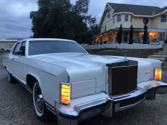 FRIDAY 1979 LINCOLN CONTINENTAL TOWNCAR
