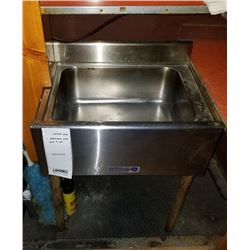"2' STAINLESS STEEL ICE SINK/ 24"" X 19"" X 30"" HEIGHT"