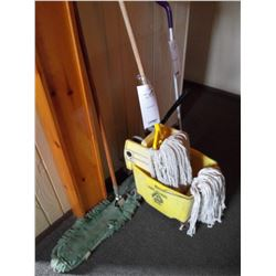 BUNDLE LOT: MISC SINK SUPPLIES, MOP & BUCKET, SWIFFER MOP & DUST MOP, ASH TRAYS