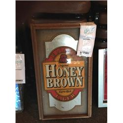 "ORIGINAL HONEY BROWN LAGER LIGHTED SIGN/GOOD CONDITION/*SEE PHOTOS*/ APPROX 26"" HIGH X 15"" WIDE"