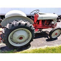 FORD FARM TRACTOR 9N