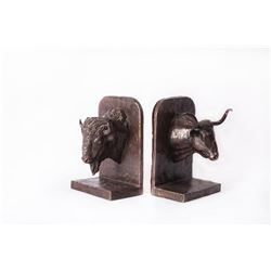 Joe Beeler, bronze bookends