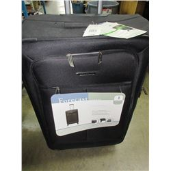 New Forcast Linden 28inch expandable Spinner Luggage / 159.99 tags