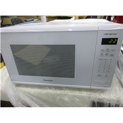 New Panasonic Microwave Oven  NN-SG626W / 1.3Cu Ft  1100watt