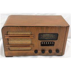 Wards Ariline Radio Model 04br-720a