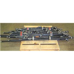 Pipes: Various Lengths Black Pipes with T's and Elbows