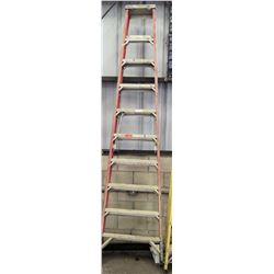 Qty 1 Red Tall Ladder 10'