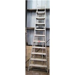Qty 1 Louisville AX1010 Trestle Ladder 10'