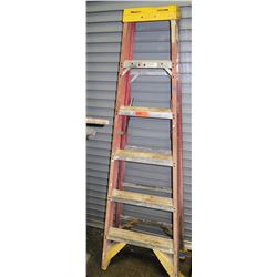 Qty 1 Red Tall Ladder 6'