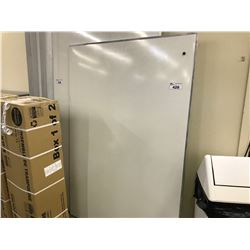 4' X 6' MAGNETIC WHITE BOARD