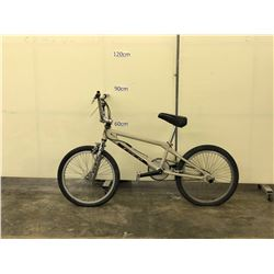 WHITE GT BMX BIKE WITH GYRO AND PEGS