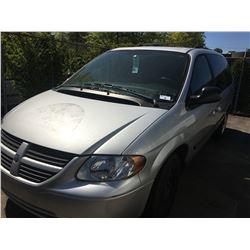 2005 DODGE GRAND CARAVAN, 4DR SUV, GREY, VIN # 1D4GP24R65B223205