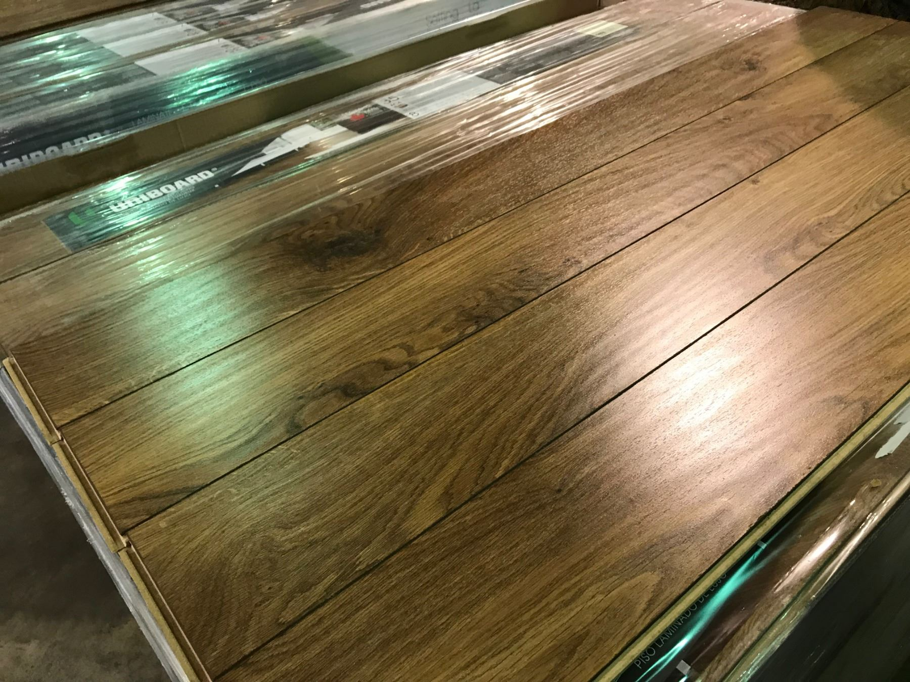 Uniboard Ancestral Oak Glueless Laminate Flooring