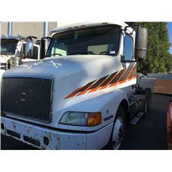 2000 VOLVO TRUCK TRACTOR, WHITE, DIESEL, MANUAL, VIN#4V4MD2GF3YN241324, 664,402KMS,
