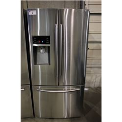 33  STAINLESS STEEL SAMSUNG FRENCH DOOR FRIDGE WITH BOTTOM FREEZER AND WATER/ICE