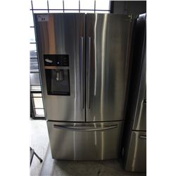 """36"""" STAINLESS STEEL SAMSUNG FRIDGE WITH BOTTOM FREEZER AND WATER/ICE"""